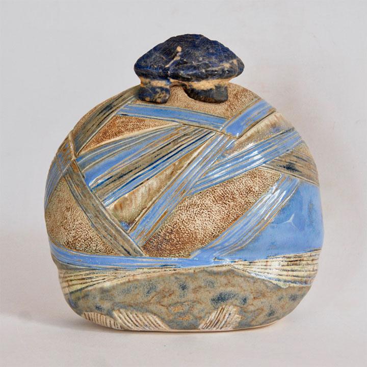 """Céramique boîte sculptée """"Dolmen"""" sodalite bleue foncée"""