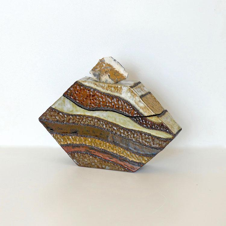 Céramique boîte sculptée pierre de montagne