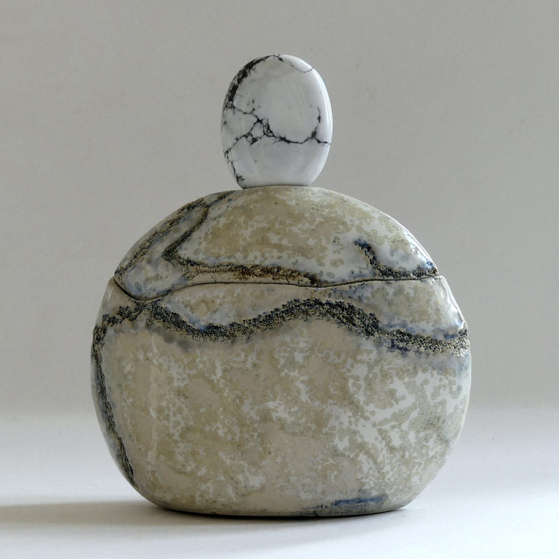 Céramique boîte sculptée Magnésite