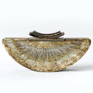 Céramique boîte singulière demi-lune « Noir d'ivoire »