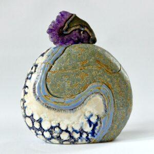 Boîte sculptée flacon ovale Crête d Améthyste