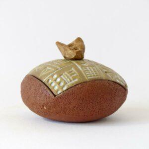 Boîte écritures anciennes galette caillou creux